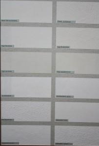 Die verschiedenen (noch ungefärbten) Putze und Farben von Kreidezeit im Vergleich